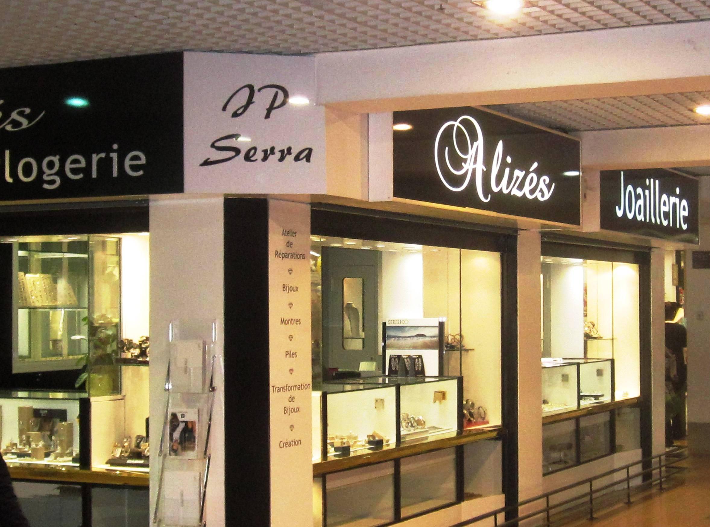 Casino supermarche 365 avenue de mazargues 13008 marseille